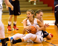 #43Taryn Ashby  & #12 Kayla Aufiero fight for a loose ball